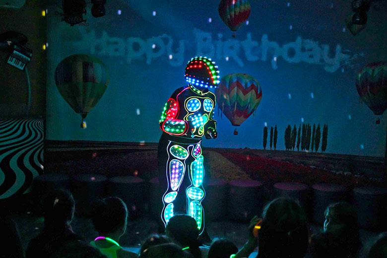 1000 Lights Robot Dancer